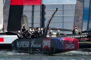Louis Vuitton Cup : Emirates Team New Zealand captures two, leads Final 4-1