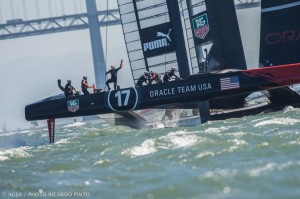 America's Cup : more heart-pounding action as teams split the day