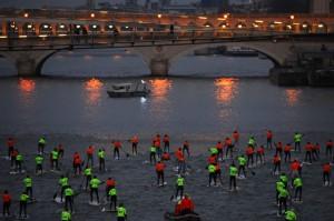 Nautic 2013 : La traversée de Paris en Stand Up Paddle