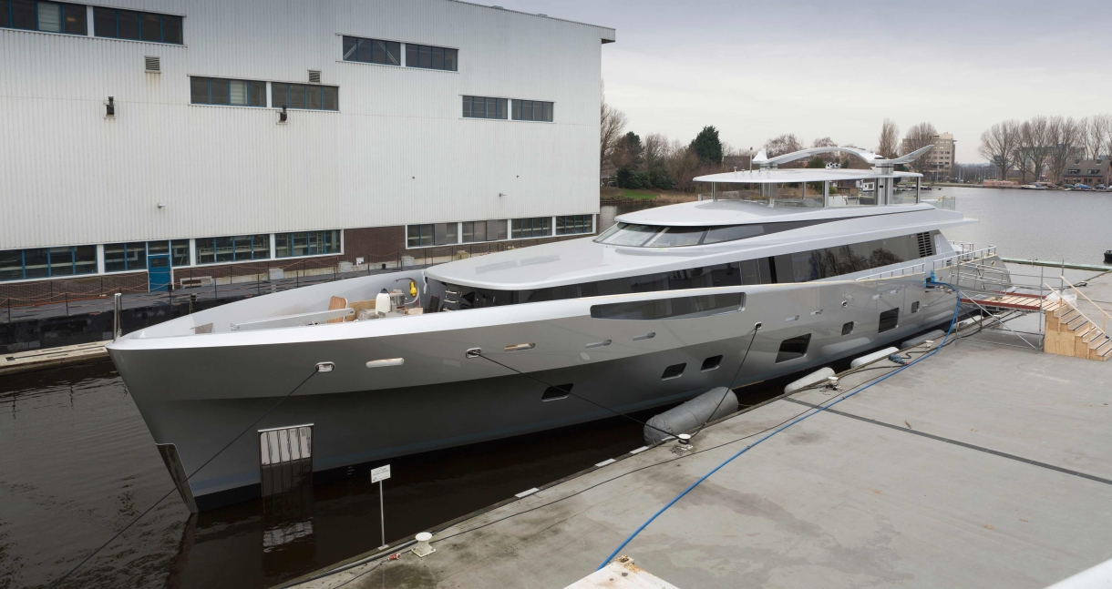 Feadship launches graceful Como for world-renowned yachtsman