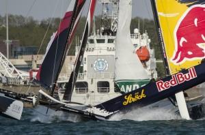 Extreme Sailing Series : Alinghi s'impose à Qingdao malgré une grave collision avec Red Bull Sailing Team