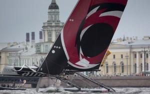 Extreme Sailing Series : Alinghi arrache la victoire à Saint-Pétersbourg