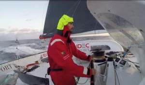 Jules Verne Trophy : IDEC Sport down with the ice