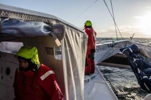 Trophée Jules Verne : Iceberg frôlé, hautes vitesses… et 215 milles repris pour IDEC Sport !