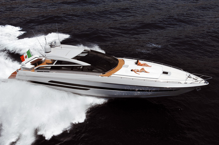 The kitchen of luxury Baia Italia 70 yacht is fully equipped – 4 cooking ...