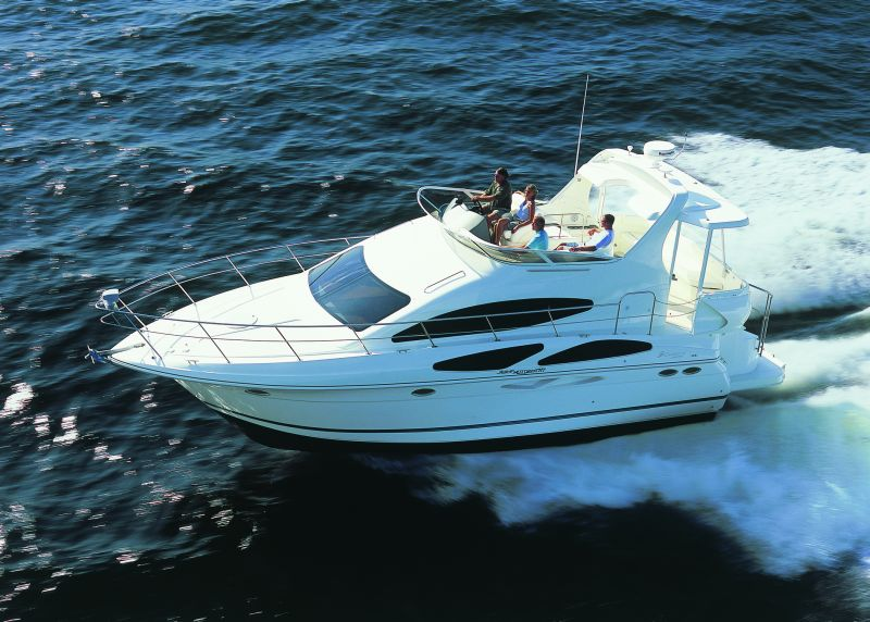 Cruisers Yachts 385 Express Motoryacht (Fly / Motor Yacht)