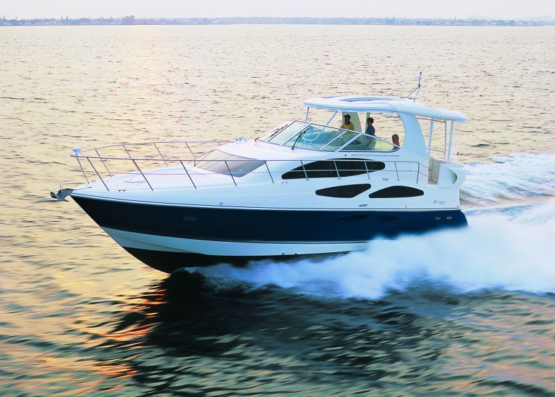 Cruisers Yachts 455 Express Motoryacht (Fly / Motor Yacht)