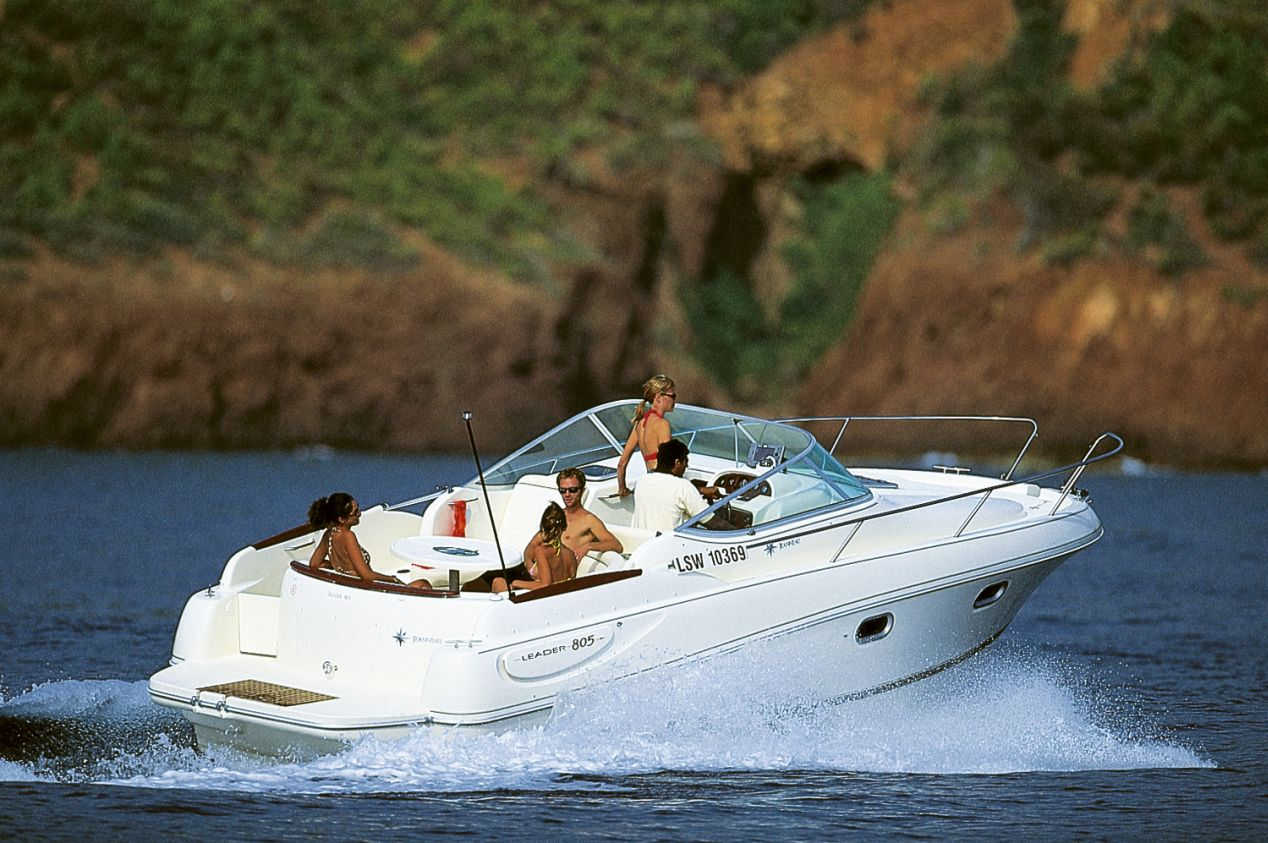 Jeanneau Leader 805 (Day cruiser) Rent this yacht