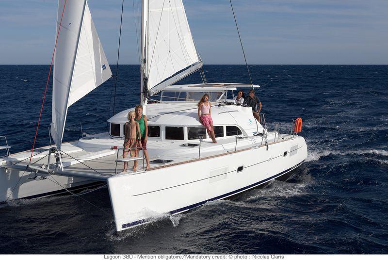 Lagoon Catamarans 380 (Voilier)
