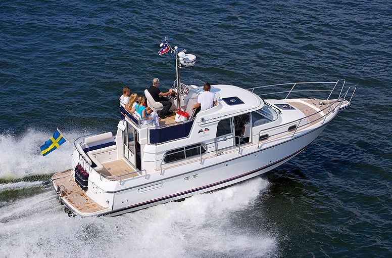 Nimbus 340 Commander (Fly / Power Boat)