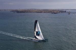 Trophée Jules Verne : Loïck Peyron et Banque Populaire avalent les milles