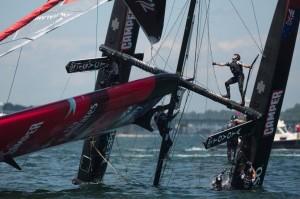 AC World Series Newport: Oracle Team USA creuse l'écart à domicile