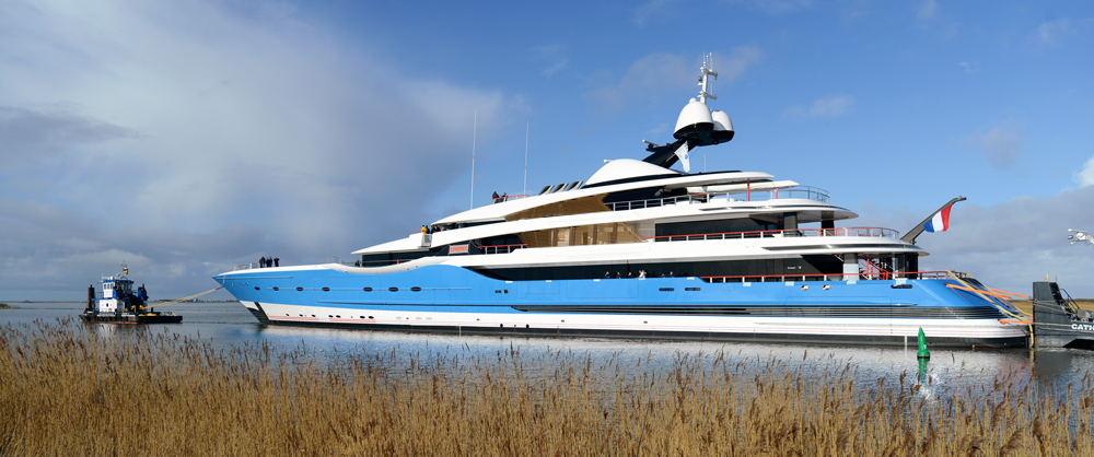 Feadship breaks records with largest superyacht ever