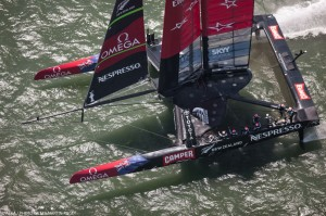 Louis Vuitton Cup : Emirates Team New Zealand scores first point