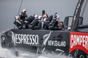 America's Cup : ORACLE TEAM USA captures first victory