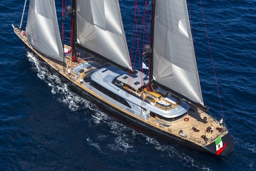 Perini Navi SY Seahawk : 60m performance and comfort under sail