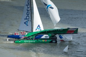 Extreme Sailing Series : Groupama sailing team and Team Aberdeen Singapore in major crash
