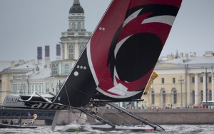 Extreme Sailing Series : Five-team final race shoot-out sees Alinghi clinch victory in a game of Russian roulette