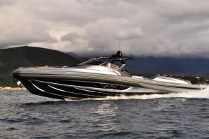 Strider 19 : Super tender to mega yachts