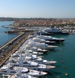 Super Yachting : le Port Vauban commercialise la plus grande place d'Europe