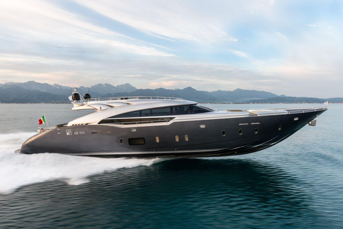 AB Yachts 100 (Motor Yacht)