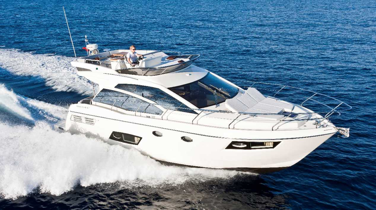 Absolute Yachts 43 Fly (Fly)