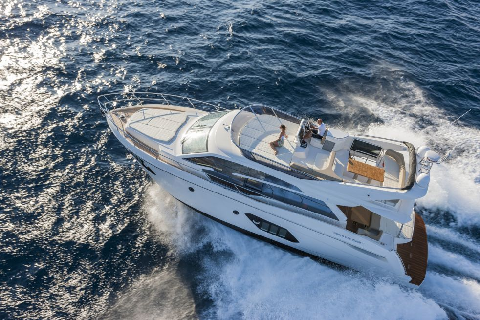 Absolute Yachts 52 Fly (Fly / Motor Yacht)