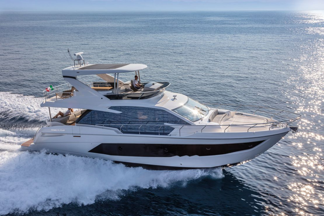 Absolute Yachts 62 Fly (Fly / Motor Yacht)
