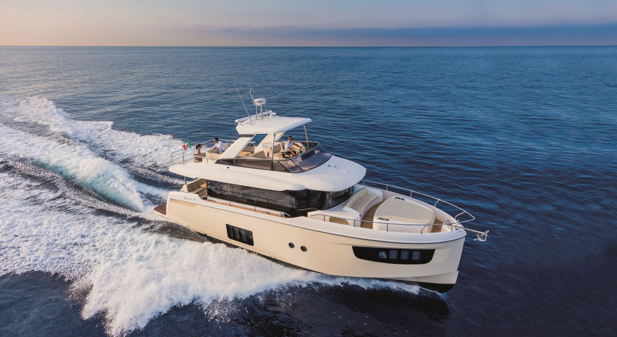 Absolute Yachts Navetta 52 (Fly / Motor Yacht)