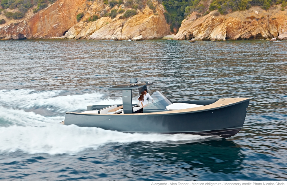 Alen Yachts 42 (Day cruiser)