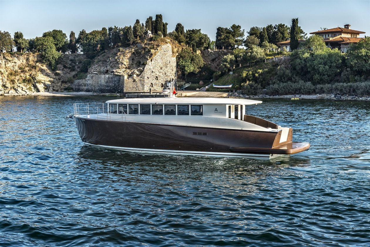 Alen Yachts 55 Shuttle (Day cruiser)