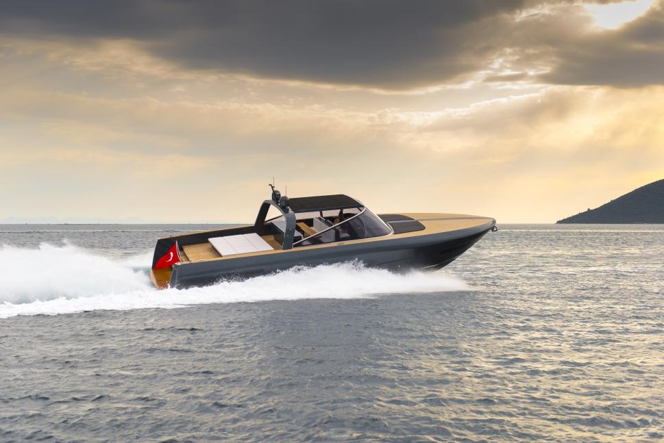 Alen Yachts 68 (Day cruiser / Motor Yacht)