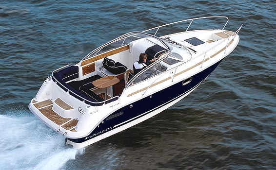 Aquador 23DC (Day cruiser)