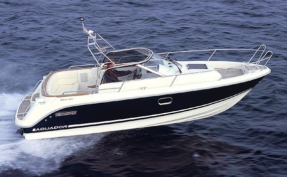 Aquador 23WA (Day cruiser)