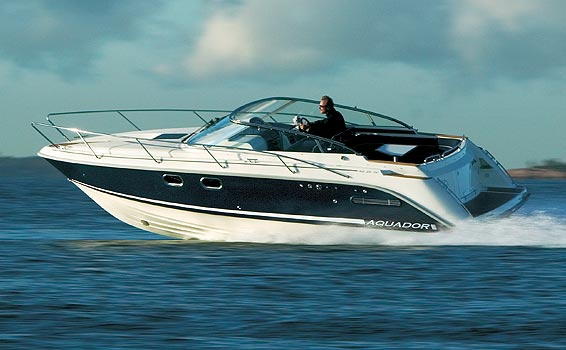 Aquador 26DC (Day cruiser)