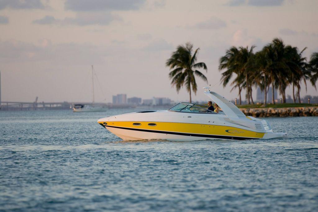 Baja 335 Performance (Day cruiser)