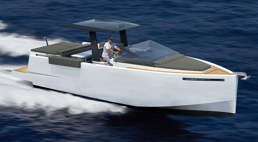 De Antonio Yachts D33 (Day cruiser)