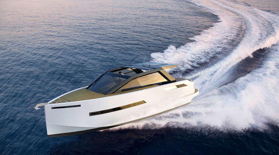 De Antonio Yachts D43 (Day cruiser)