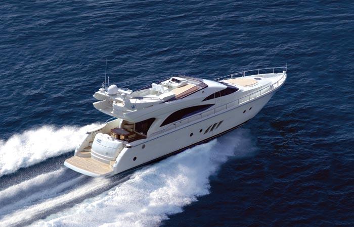 Dominator 620 (Fly / Motor Yacht)