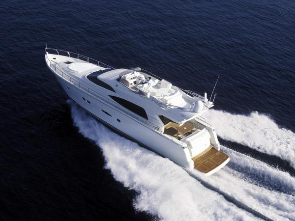 Dominator 64 (Fly / Motor Yacht)