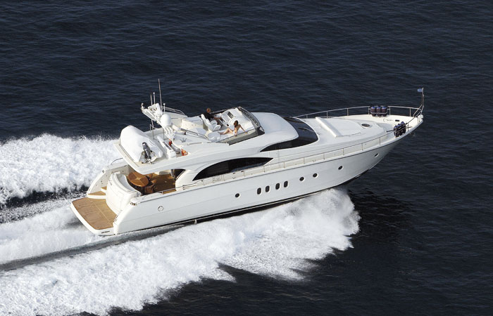 Dominator 680 (Fly / Motor Yacht)