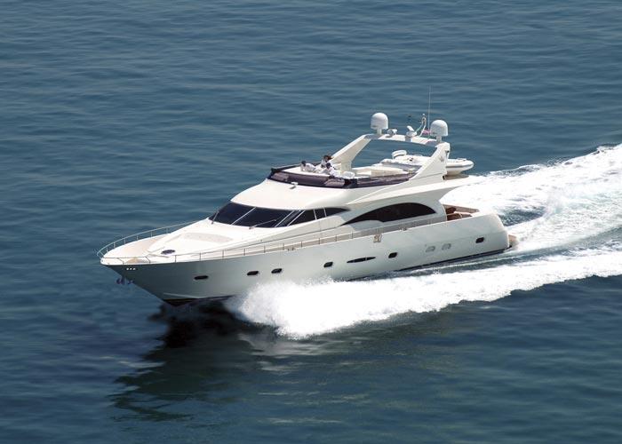Dominator 780 (Fly / Motor Yacht)