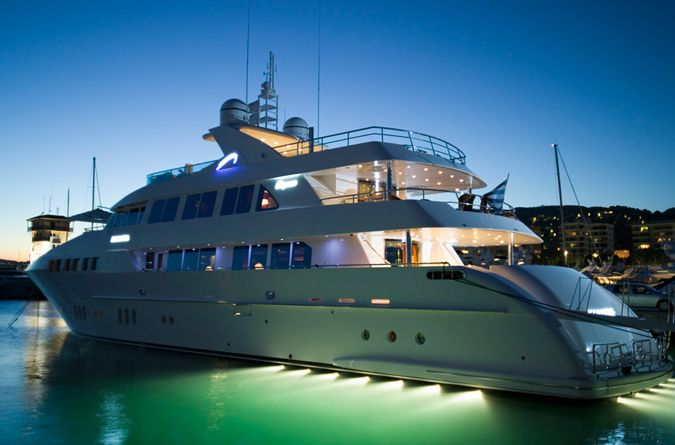 Drettmann Elegance 125 Dynasty (Fly / Motor Yacht)