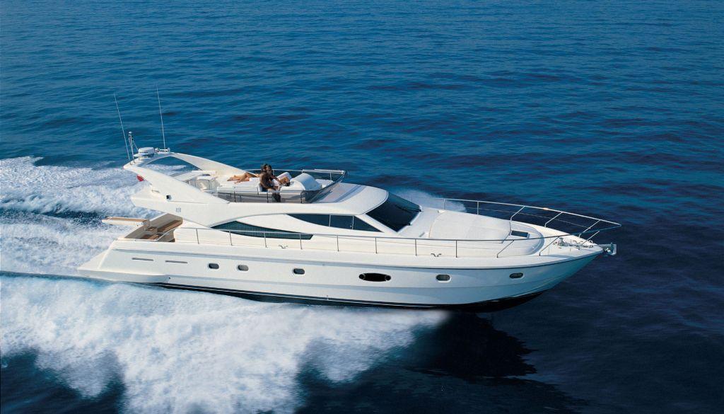 Ferretti 620 (Fly / Motor Yacht)
