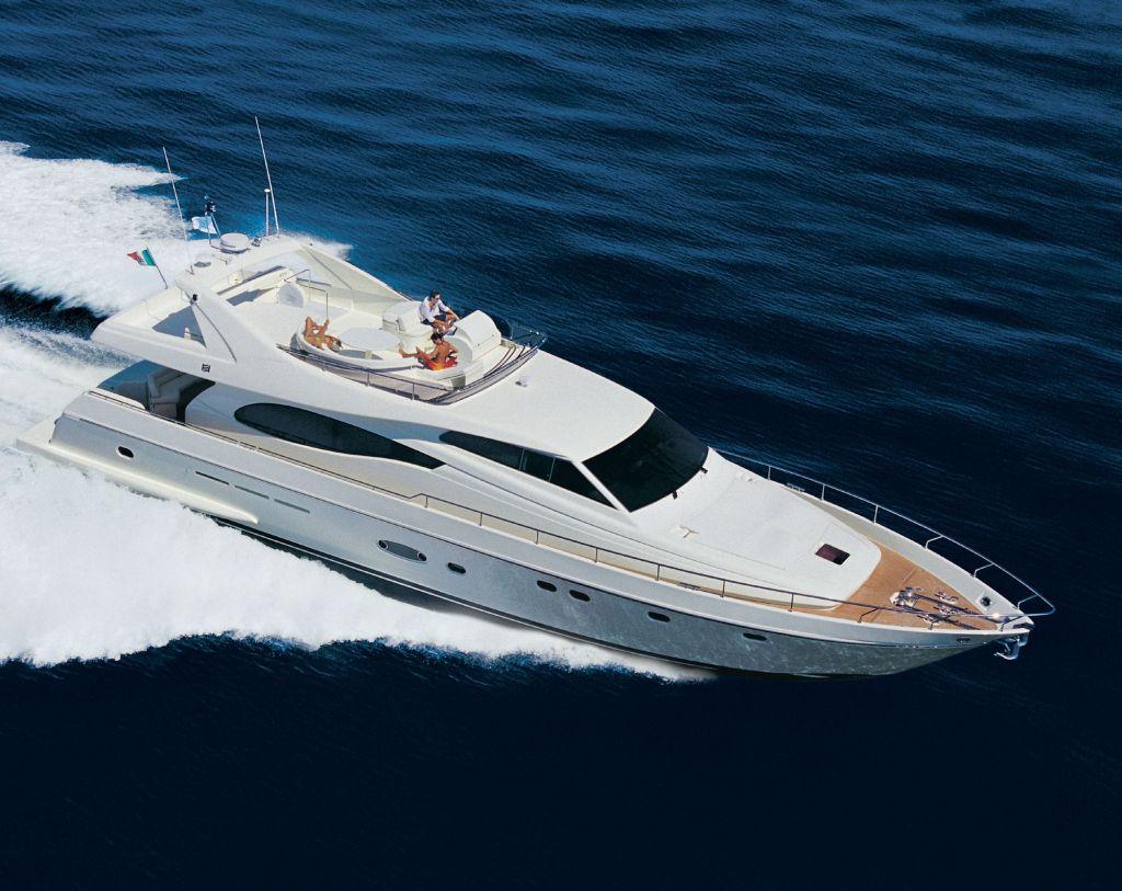 Ferretti 730 (Fly / Motor Yacht)