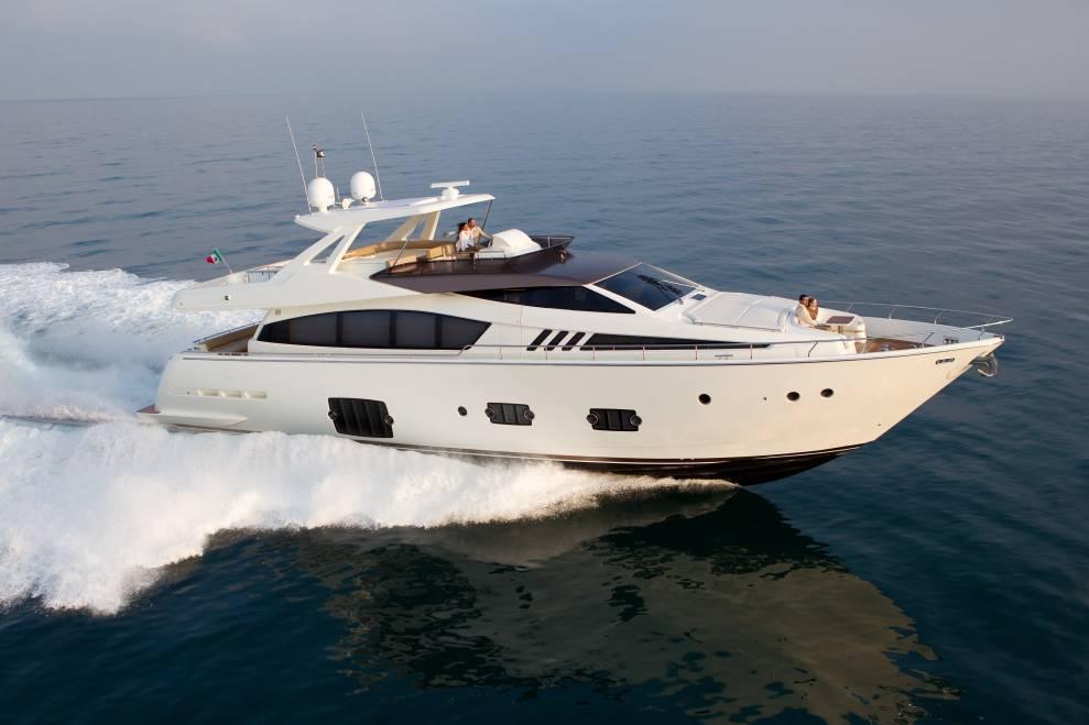 Ferretti 800 (Motor Yacht / Fly)