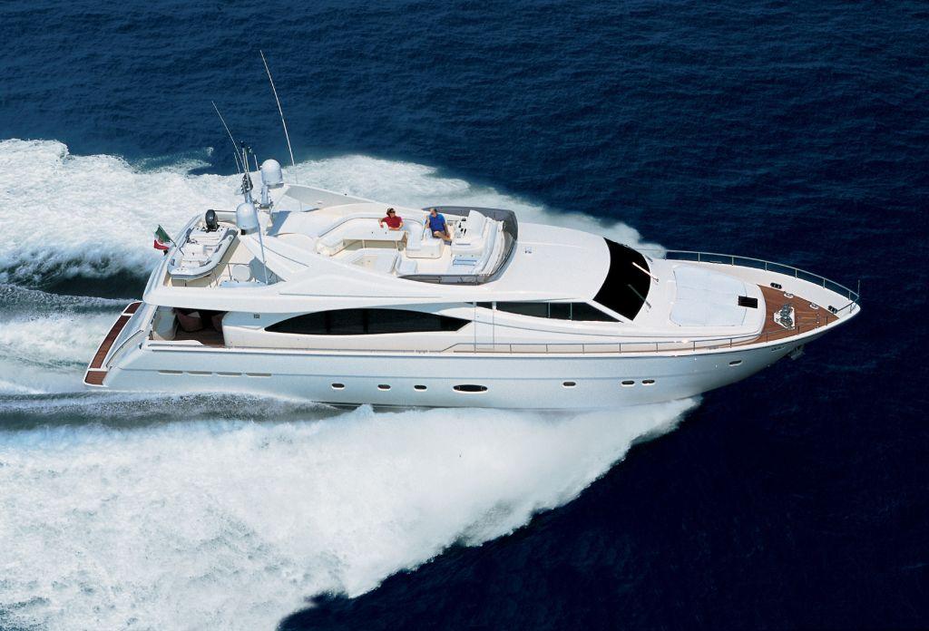 Ferretti 880 (Fly / Motor Yacht)