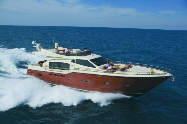 Ferretti Altura 690 (Fly / Motor Yacht)
