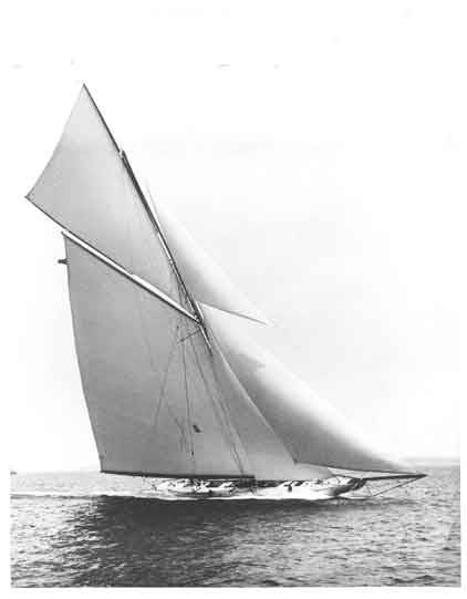 Nat Herreshoff <strong>Reliance</strong> (Sailing Yacht)
