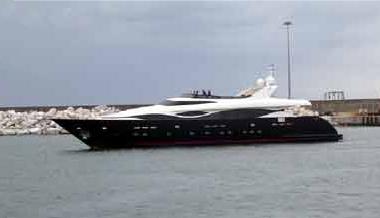 Maiora 38 DP (Motor Yacht)